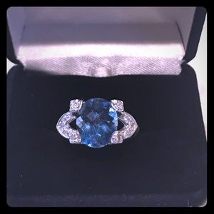 NIB 14K Gold 💙 6 CT  Blue Topaz & Diamond Ring